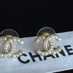 Authentic Vintage Chanel Pearl Earrings
